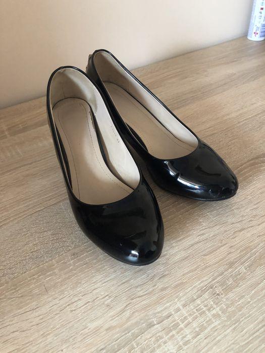 Продам лаковые туфли. Скадовск - изображение 1
