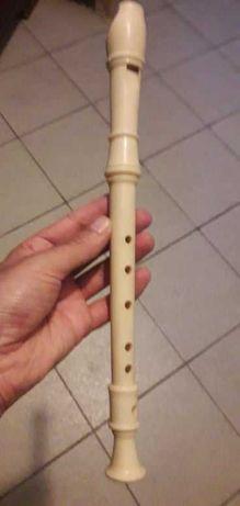 Três flautas para a escola