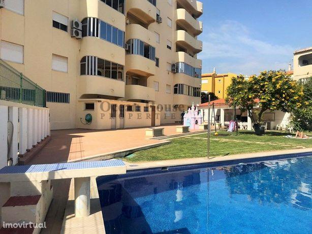 Apartamento T1 com garagem e piscina a 700m da praia, Qua...