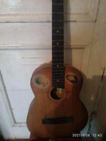 гитара акустическая б/у ( 5 струн)