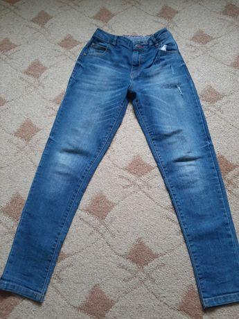 Продаю джинсы на мальчика
