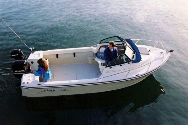 Barco de recreio 6 metros - Inafundável