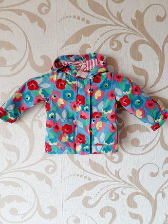 Весняна куртка з капюшоном для дівчинки