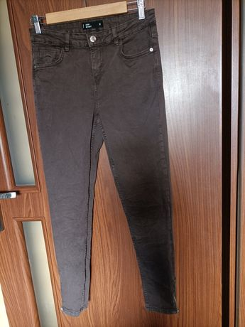Spodnie skinny .