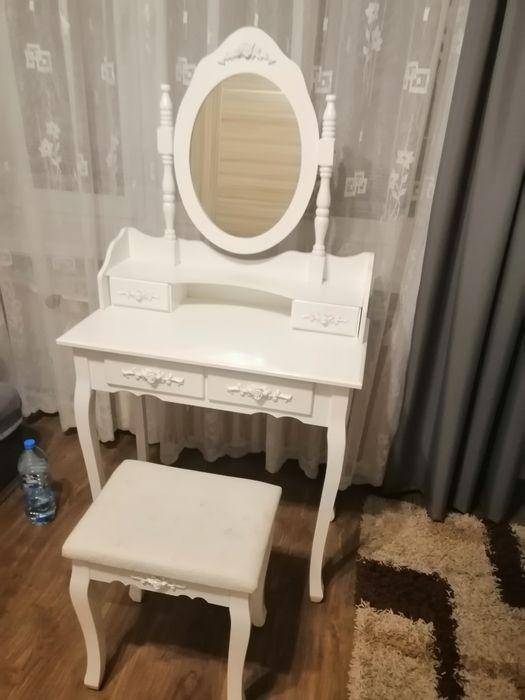 Toaletka biała z lustrem Kobylniki - image 1