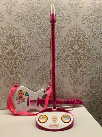 Guitarra Eléctrica com Microfone da Barbie