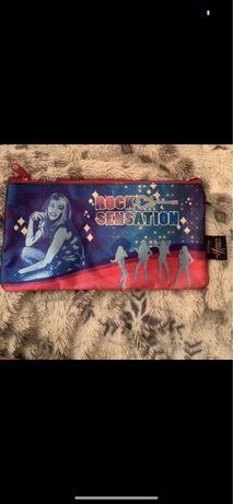 Piórnik Hannah Montana