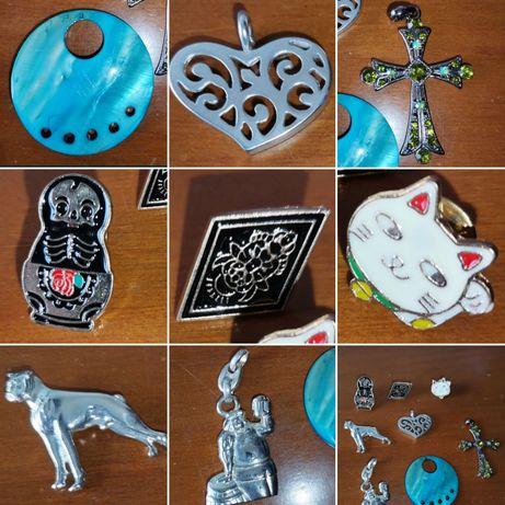 Colar de mulher e pins, cruz, gato, coração, matrioska, cão