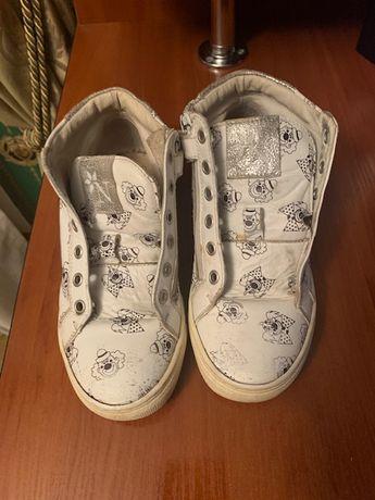 Кроссовки белые на девочку размер 31. по стельке 19,5