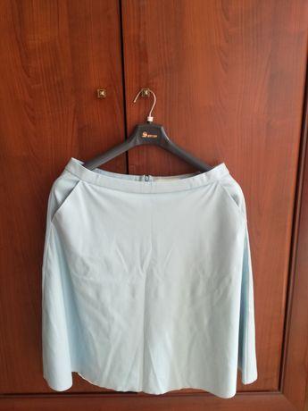 Błękitna spódnica z imitacji skóry