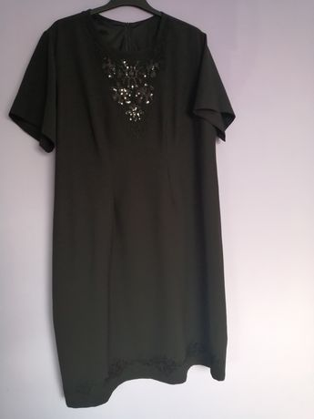 Czarna sukienka w rozm. 58