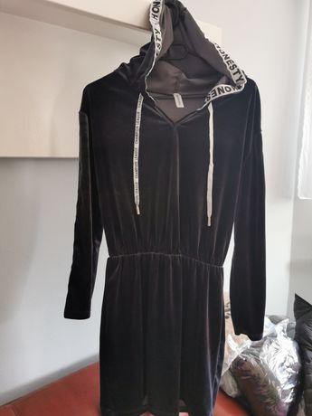 Sukienka welurowa