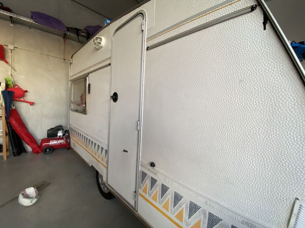 Caravana Pluma 300 c/avançado incluido