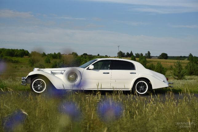 samochód, auto do ślubu retro Lincoln Excalibur, lubelskie-mazowieckie