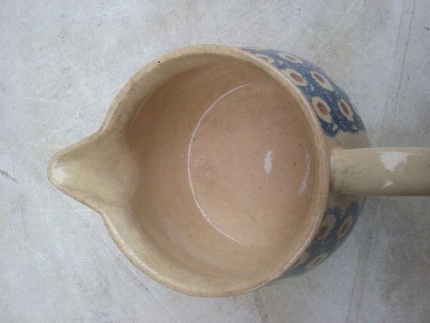 Dzbanek-mlecznik