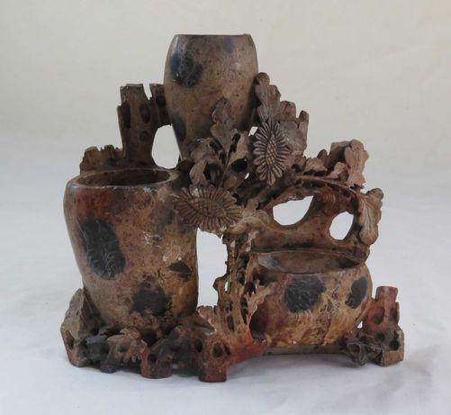 Vaso Chinês Pedra Sabão handmade; Altura-18cm; Base-19x6cm;