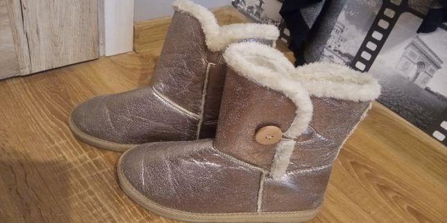 Buty z futerkiem