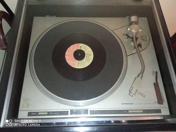 Aparelhagem gira discos