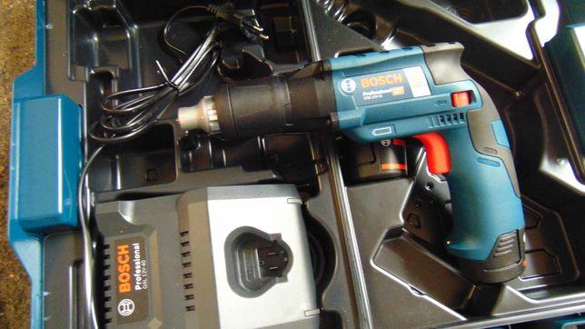 Parafusadora Bosch Pladur 12V lbox COM DUAS BATERIAS