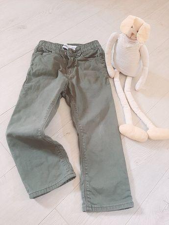 Штани для хлопчика або дівчинки на  4-5 рочків