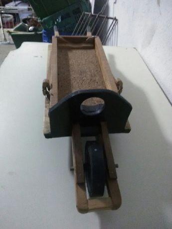 Carroça toda madeira artesanal para garrafeira