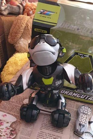 Интерактивный робот-обезьяна на радиоуправлении