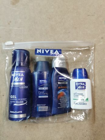 Vários produtos de higiene para homem