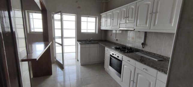 Apartamento T3+1 , boas áreas