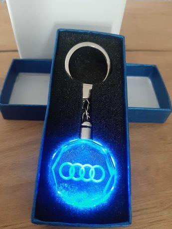 Brelok Do Kluczy LED z logo AUDI BMW MERCEDES