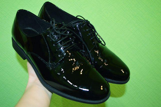 Кожаные лакированные туфли лоферы броги оксфорды Vagabond Clarks Ecco