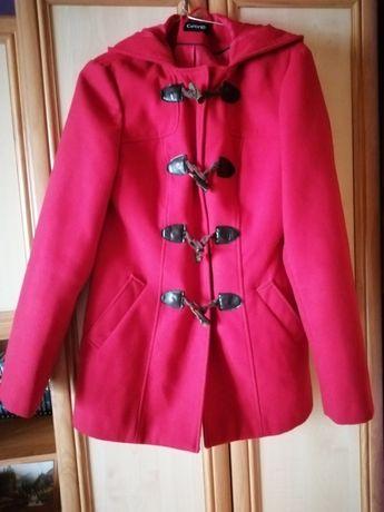 Płaszcz czerwony z kapturem