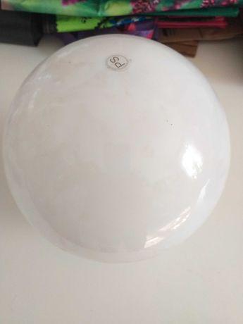 Biały klosz z gwintem plastikowy