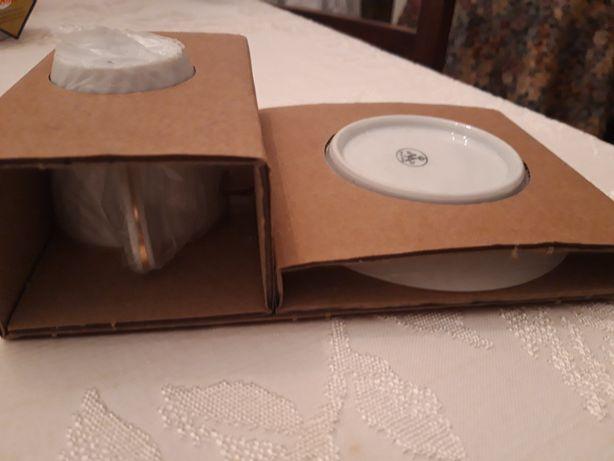 Conjunto duas chávenas de café e pires Vista Alegre Novos em caixa