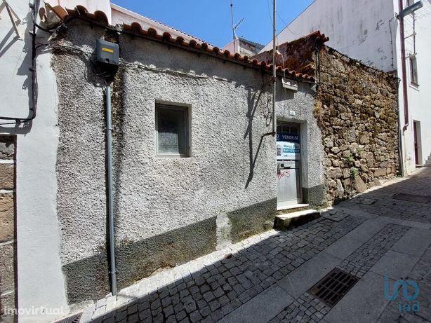 Moradia - 22 m² - T1