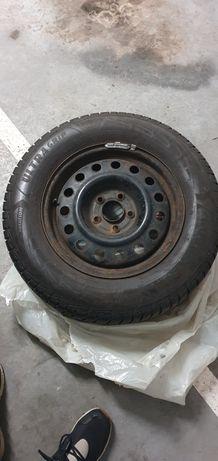 Koła hyundai 215/70 16 goodyear SUV