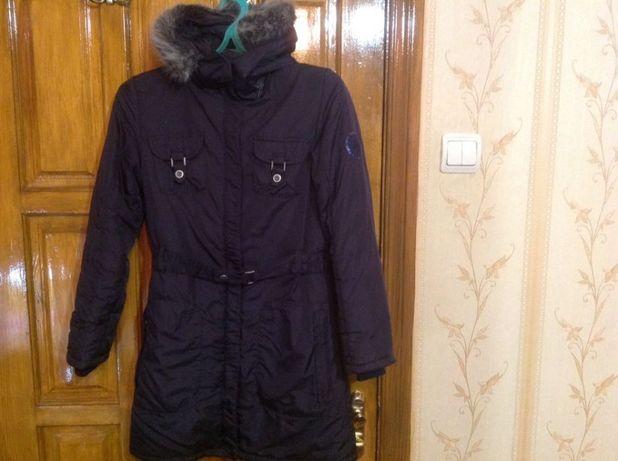Продам демисезонную куртку- пальто на девочку, р. 152 ( Германия).