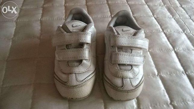 Buciki buty dziecięce Nike białe skórzane na rzepy rozmiar 22,5