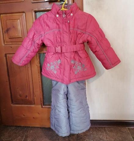 Продам комбінезон на дівчинку 2-4 роки