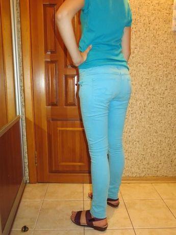 Голубые брюки, штаны, джинсы для девочки 10-13 лет. рост 152-160