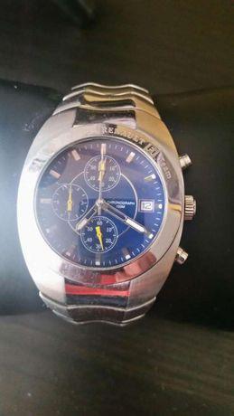 Relógio Renault.