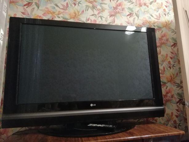 Продается Телевизор LG 50 дюймов... мощный ):)