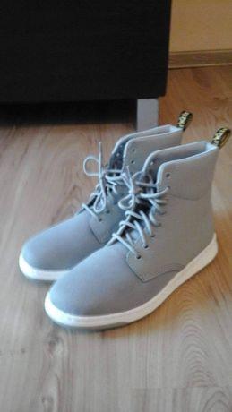 Nowe buty firmy Dr. Martens model Rigal Mesh roz 42