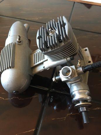 Silnik modelarski spalinowy LEO 61.
