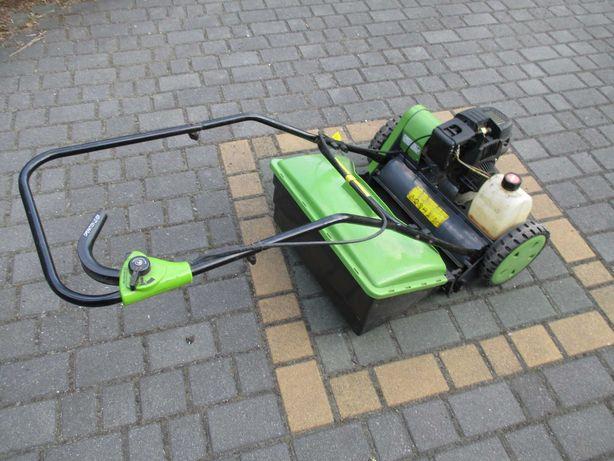 kosiarka ręczna do trawy z silnikiem spalinowym - używana