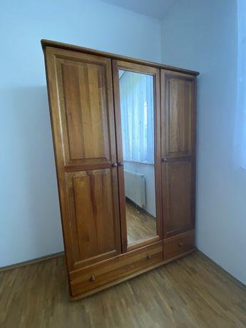 Szafa sosnowa trzydrzwiowa z lustrem
