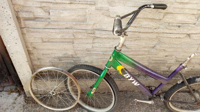 Велосипед на запчастини.