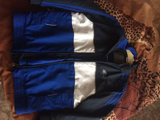 Продам демисезонную куртку на мальчика, фирмы Адидас