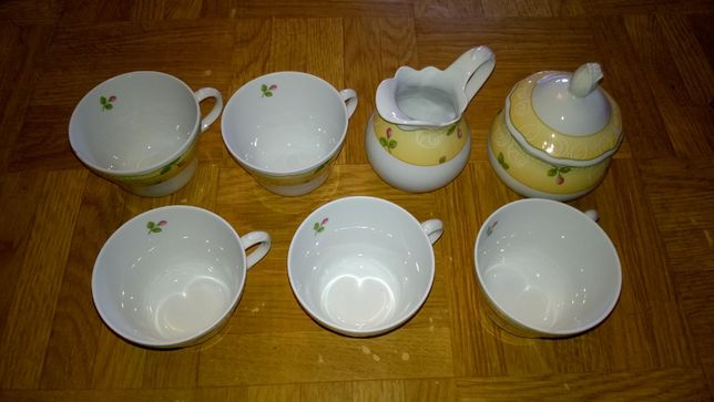 Filiżanki do kawy, cukierniczka i mlecznik