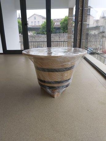Mesa feita de barril