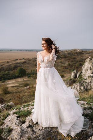 Весільна сукня після професійної ручної чистки